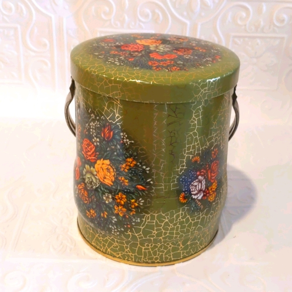Vintage Daher Floral Tin with Handle